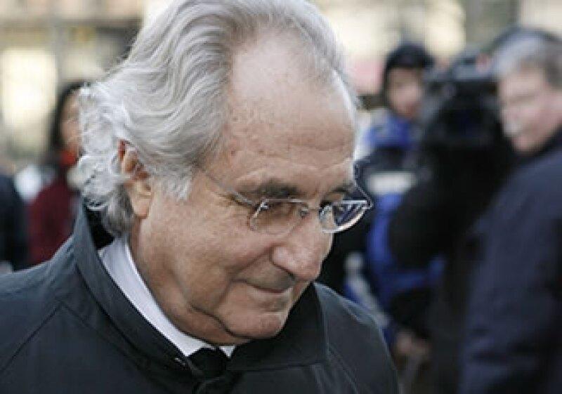 Madoff cumple una sentencia de 150 años por engañar a inversionistas con su sistema piramidal. (Foto: AP)