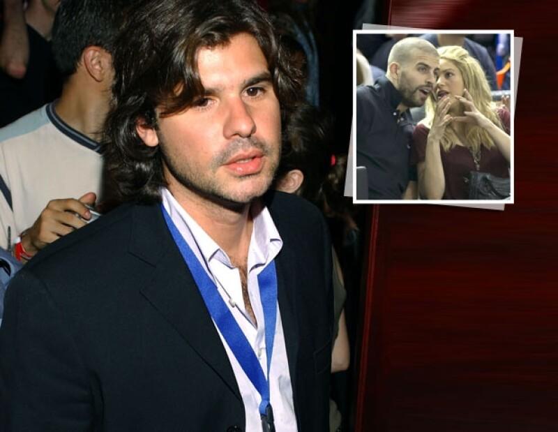 De la Rúa considera que tiene derecho a recibir parte de las ganancias generadas por la cantante, ya que gracias a él Shakira comenzó a obtener beneficios mediante la firma de contratos millonarios.