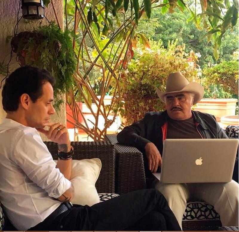 El cantante mexicano compartió en Instagram dos fotografías de su encuentro con el puertorriqueño, ¿tendrán proyecto entre manos?