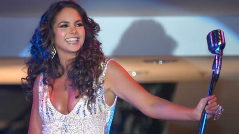 La cantante mexicana Lucero estrenará programa ?reality? en Telemundo para septiembre próximo