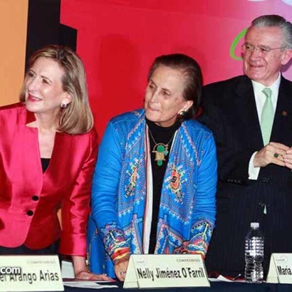 Nelly Jiménez O´Farril,María Angélica Luna y Eduardo Familiar