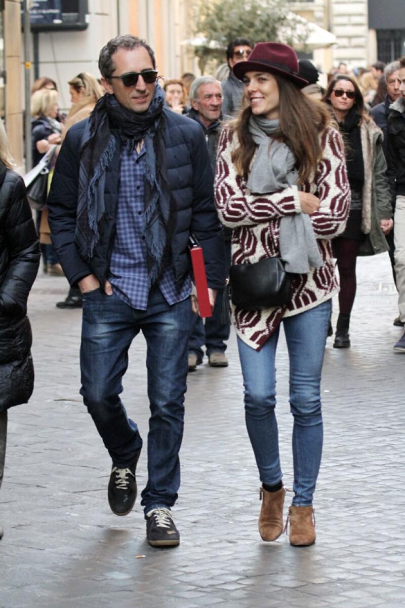 La integrante de la Familia Real de Mónaco y su pareja fueron captados disfrutando una tarde de museos en Italia, viaje en el que se reunieron con amigos, dándose un tiempo libre de su bebé.