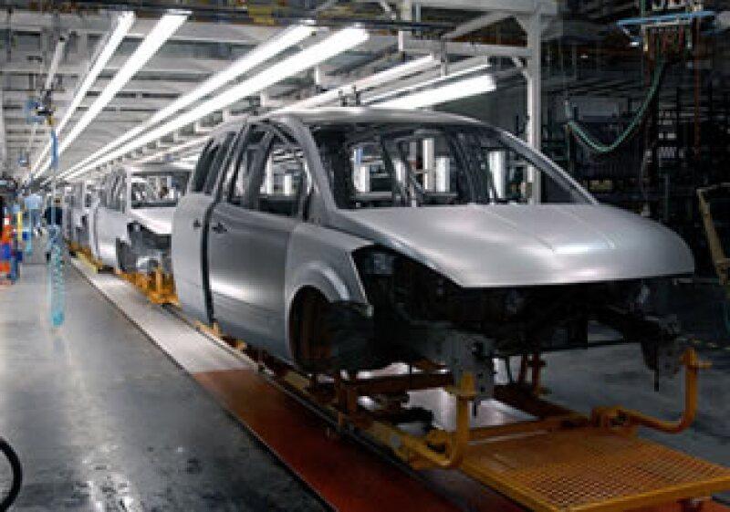 Nissan estudioa aumentar su producción en México para apoyar a las plantas de Japón (Foto: AP)