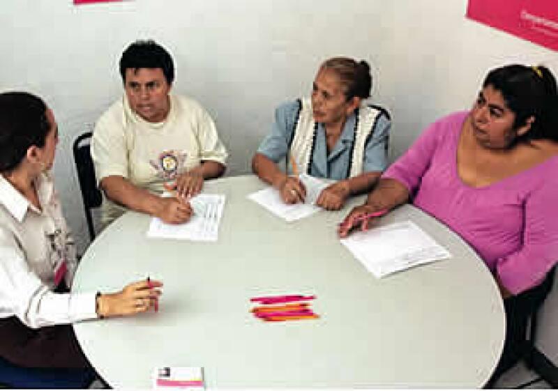 La microfinaciera se ha posicionado como un referente de los pequeños préstamos productivos. (Foto: Mondaphoto)