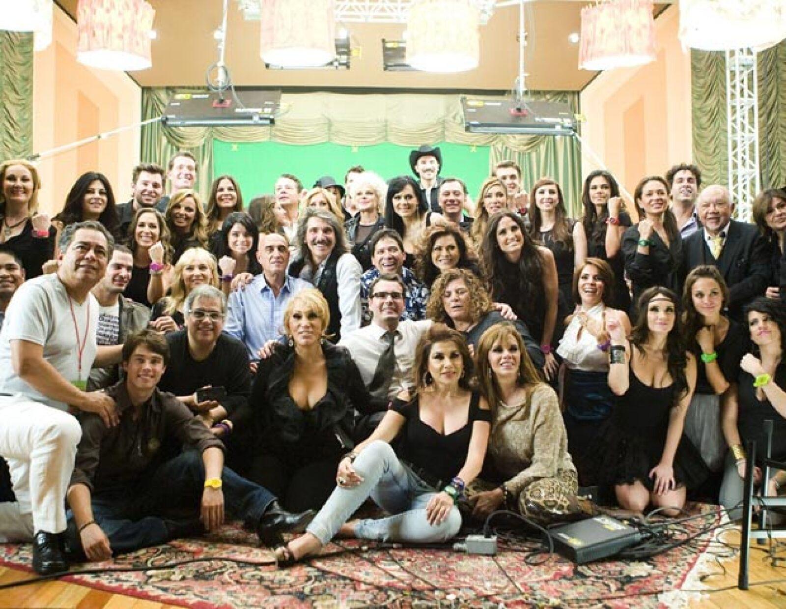Más de 100 artistas participaron en el video de la fundación En tus manos que se estrenará el próximo mes de agosto.
