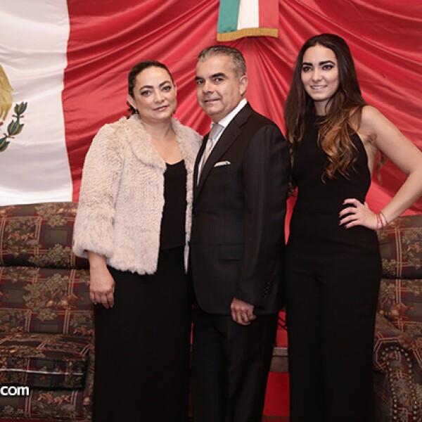 Lourdes, Jesus y Brianda Pérez Negron