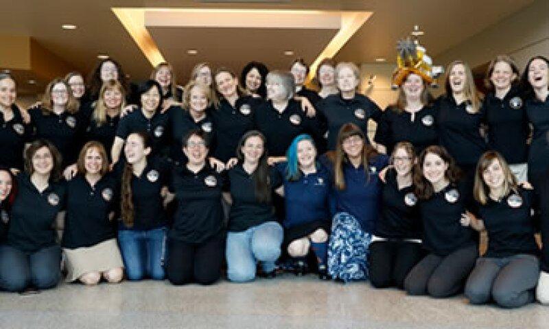 Las mujeres del equipo, fotografiadas a tres días del acercamiento a Plutón (Foto: Cortesía/NASA )