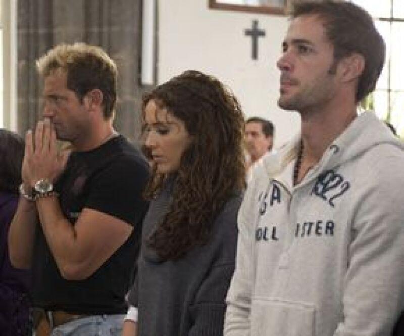 Los protagonistas de la nueva telenovela de Carla Estrada, el resto del elenco y la producción, asistieron a la misa ofrecida en Jilotepec para así dar inicio a las grabaciones el próximo lunes.