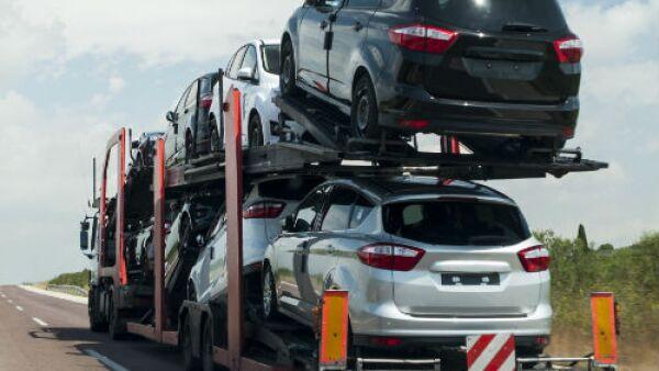 autos transportados en veh�culo nodriza