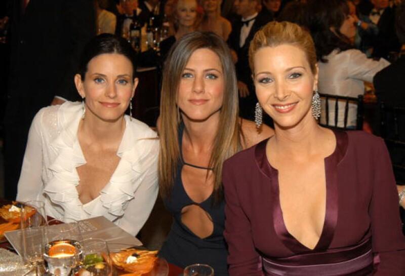 Quienes sí estuvieron invitadas fueron Courteney Cox, la súper BFF de Jennifer, y Lisa Kudrow.