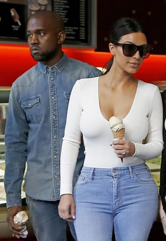 Kim Kardashian fue captada en el aeropuerto con su hija, quien esta vez fue el centro de atención con su estiloso outfit y su nuevo peinado.
