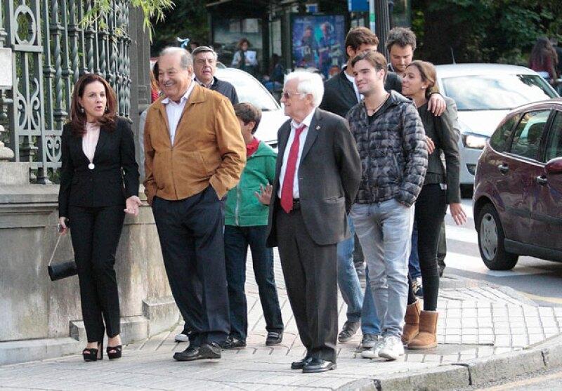 La familia Slim fue a España para apoyar al Real Oviedo, equipo de futbol preferido del magnate.