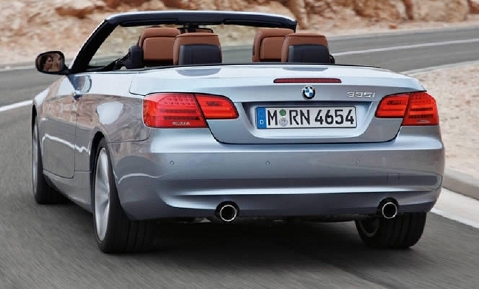 El nuevo Serie 3, está disponible en cuatro versiones: Coupé, Cabrio, Berlina y Touring.