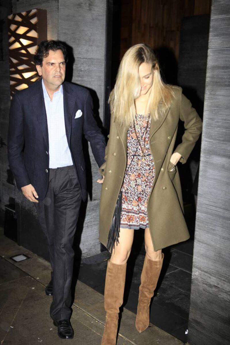 Bar Refaeli es ex novia de Adi Exra, un empresario de Israel, y también tuvo una relación con el actor Leonardo DiCaprio.
