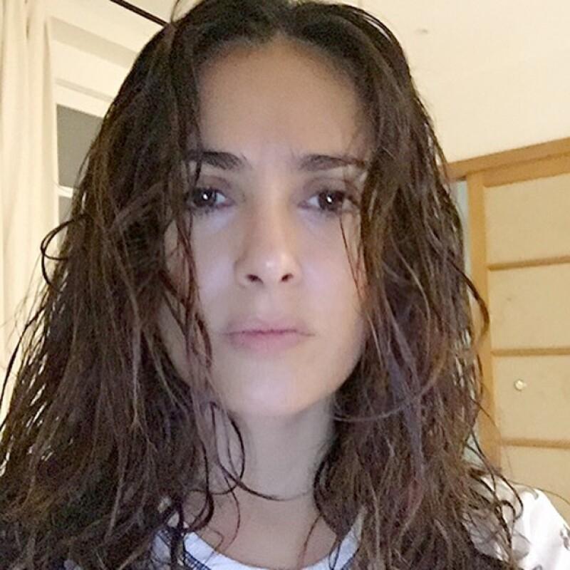 Salma ha admitido que acepta sus arrugas y su belleza al natural.