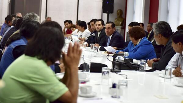 En medio de protestas por la reforma educativa, Mexicanos Primero ganó un amparo para invalidar negociaciones pasadas.