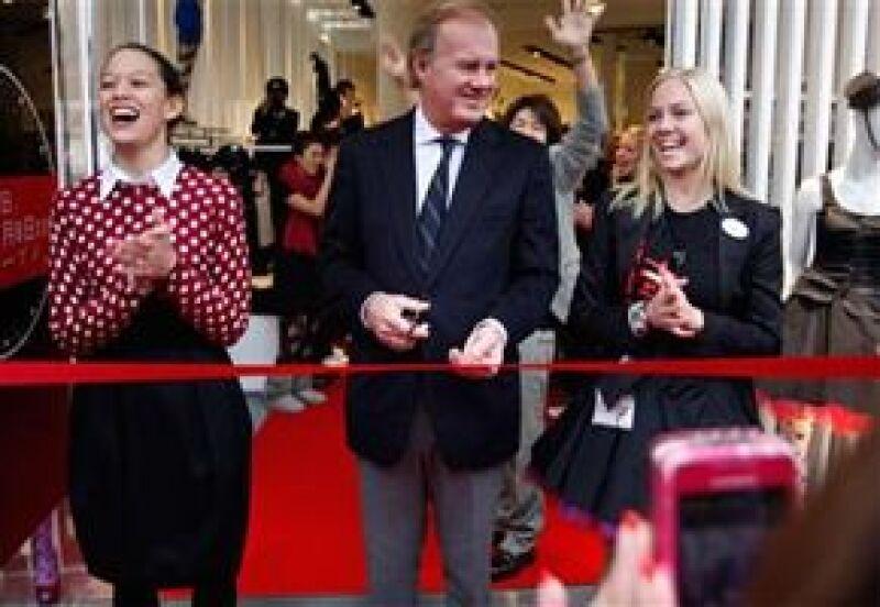 La cadena de ropa H&M se une a la firma japonesa Comme des garçons, en la alianza más atractiva de este otoño-invierno.
