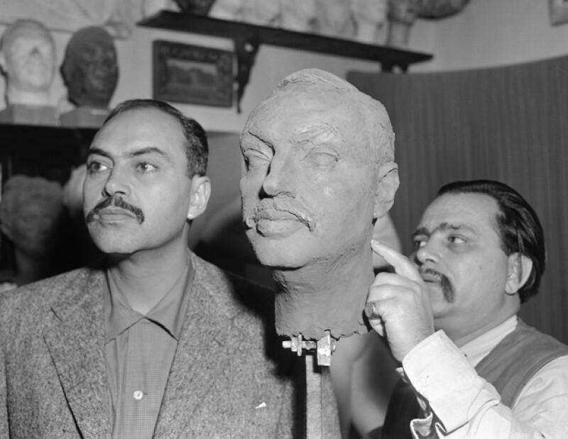 Su padre fue uno de los grandes actores de la Época Dorada del cine mexicano.