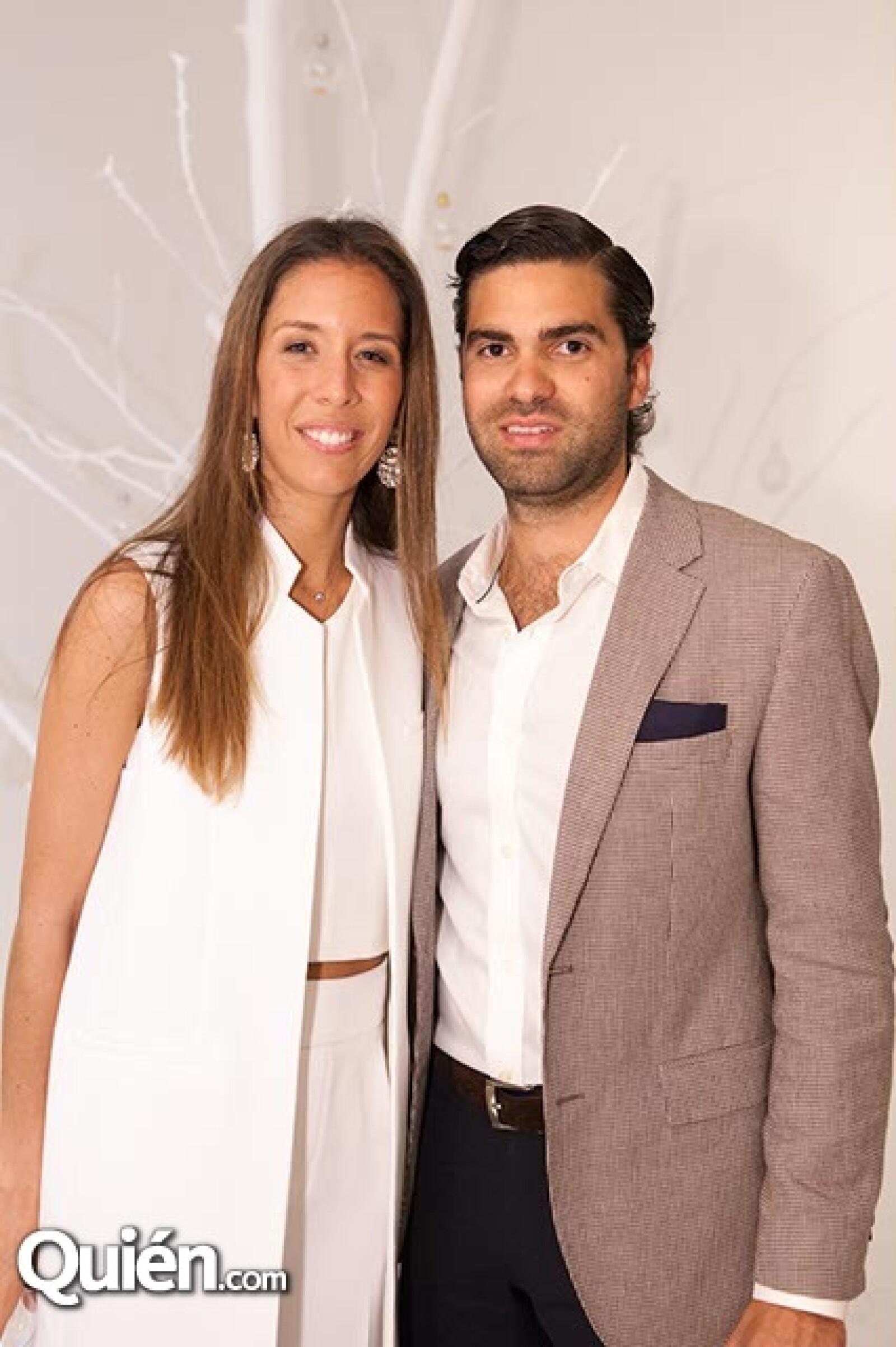 Juana Domenzain Girault y Patricio Chico