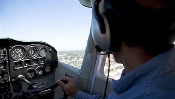 Sólo la mitad de quienes estudiaron una carrera relacionada con la aviación, son pilotos. (Foto: Photos to Go)