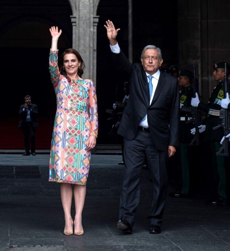 Beatriz Gutiérrez Conquista En Un Vestido Con Toque Huichol