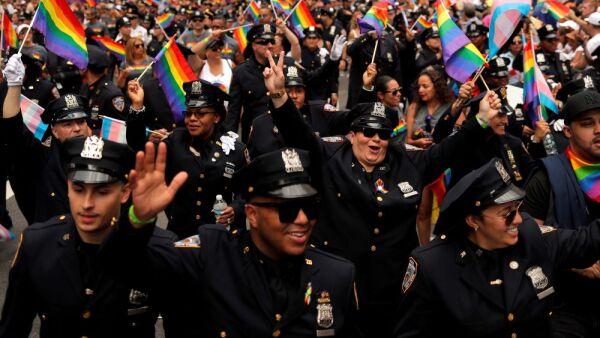 policia-ny-pride