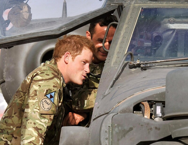 Los insurgentes que habían prometido matar al Príncipe Enrique, que está de vuelta en Afganistán, cumplieron su palabra al atacar ayer la base en la que se encuentra.