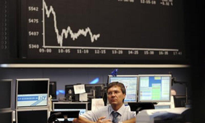 El mercado también se vio afectado por datos desalentadores de China y Alemania. (Foto: AP)