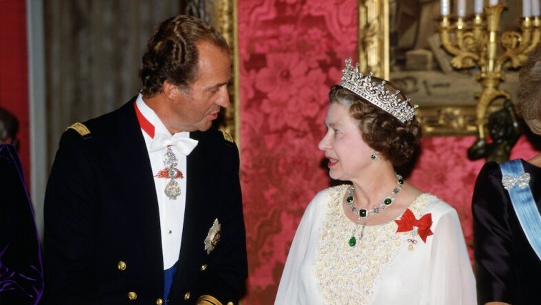 On the first night of her official tour of Spain, Queen Eliz