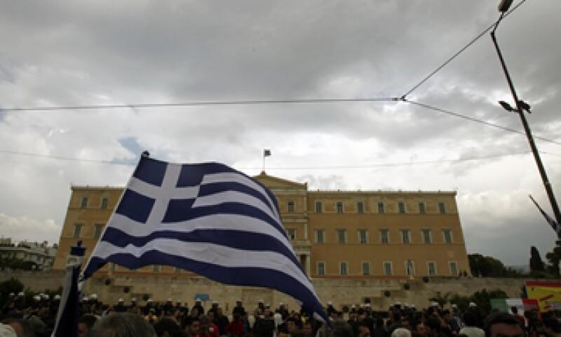 Grecia no remonta desde finales de 2008, con sucesivas contracciones trimestrales desde entonces, salvo en el primer trimestre de 2010. (Foto: AP)