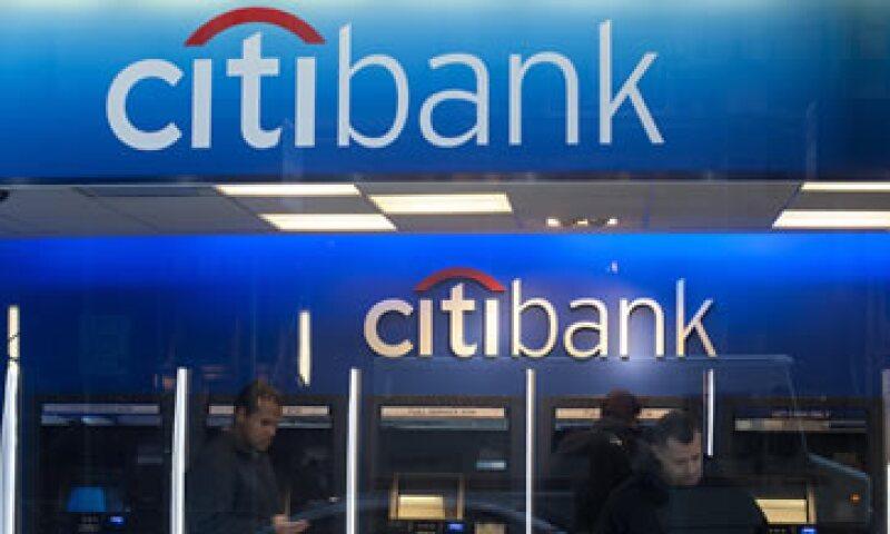 El banco pagará 4,500 mdd en efectivo y el resto en proporcionar asistencia al consumidor. (Foto: Reuters)