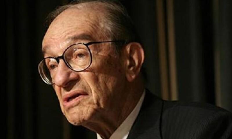 Alan Greenspan piensa que las reformas fiscales de Obama son insuficientes para resolver la crisis de la deuda y poner a la economía en buen camino. (Foto: Reuters)