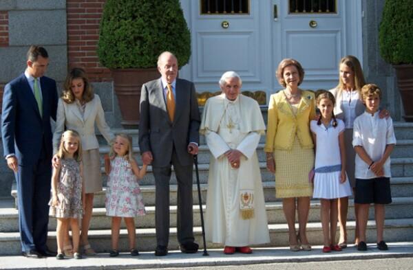 La realeza española reunida con Bergolio.