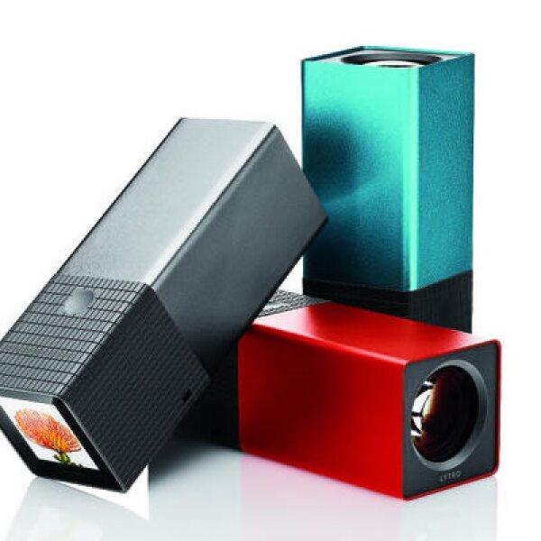 Creada en 2006 por Ren Ng, un malasio graduado de la Universidad de Stanford, Lytro es la primera cámara que permite modificar el foco de una fotografía después de su toma.