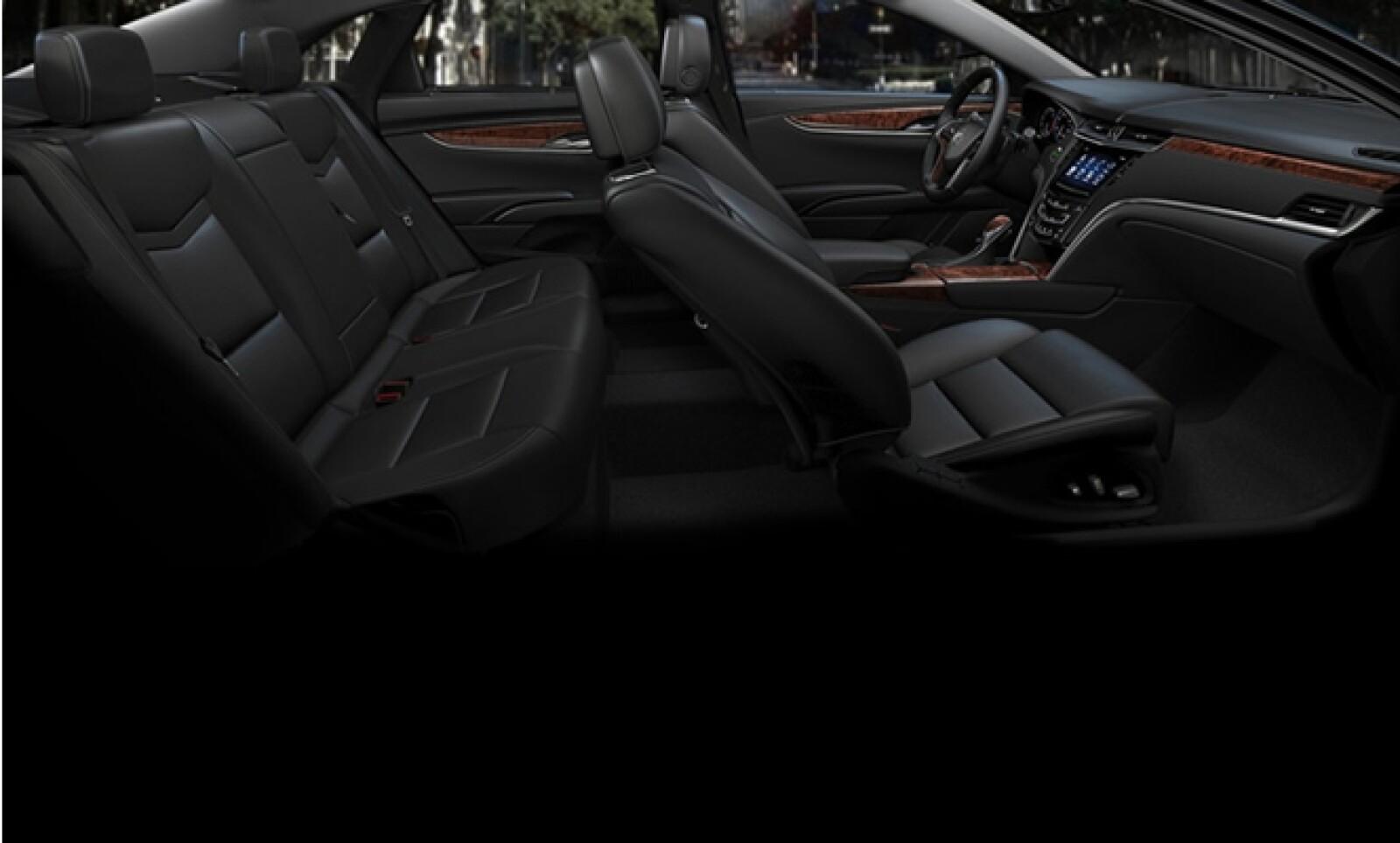 El XTS es el sedán más espacioso de la marca, ofreciendo un habitáculo comparable al de los modelos de su clase más grandes del mercado.