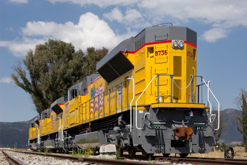 Los t�cnicos de Bombardier trabajan, desde marzo de 2011, en el ensamble general y pruebas de validaci�n de locomotoras que se exportar�n a Alabama, EU.