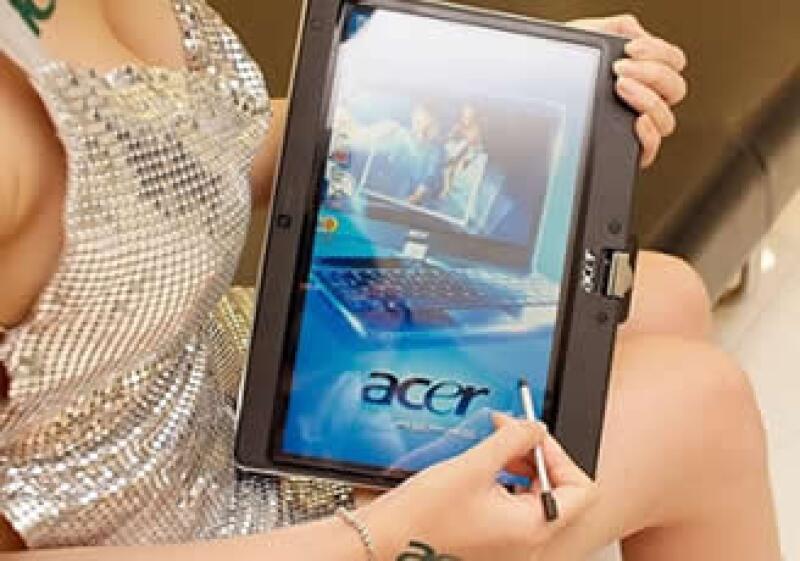 La empresa presentó este lunes sus primeras 'tablets' y tres nuevos modelos de 'smartphones'. (Foto: Cortesía Jazweb.com)