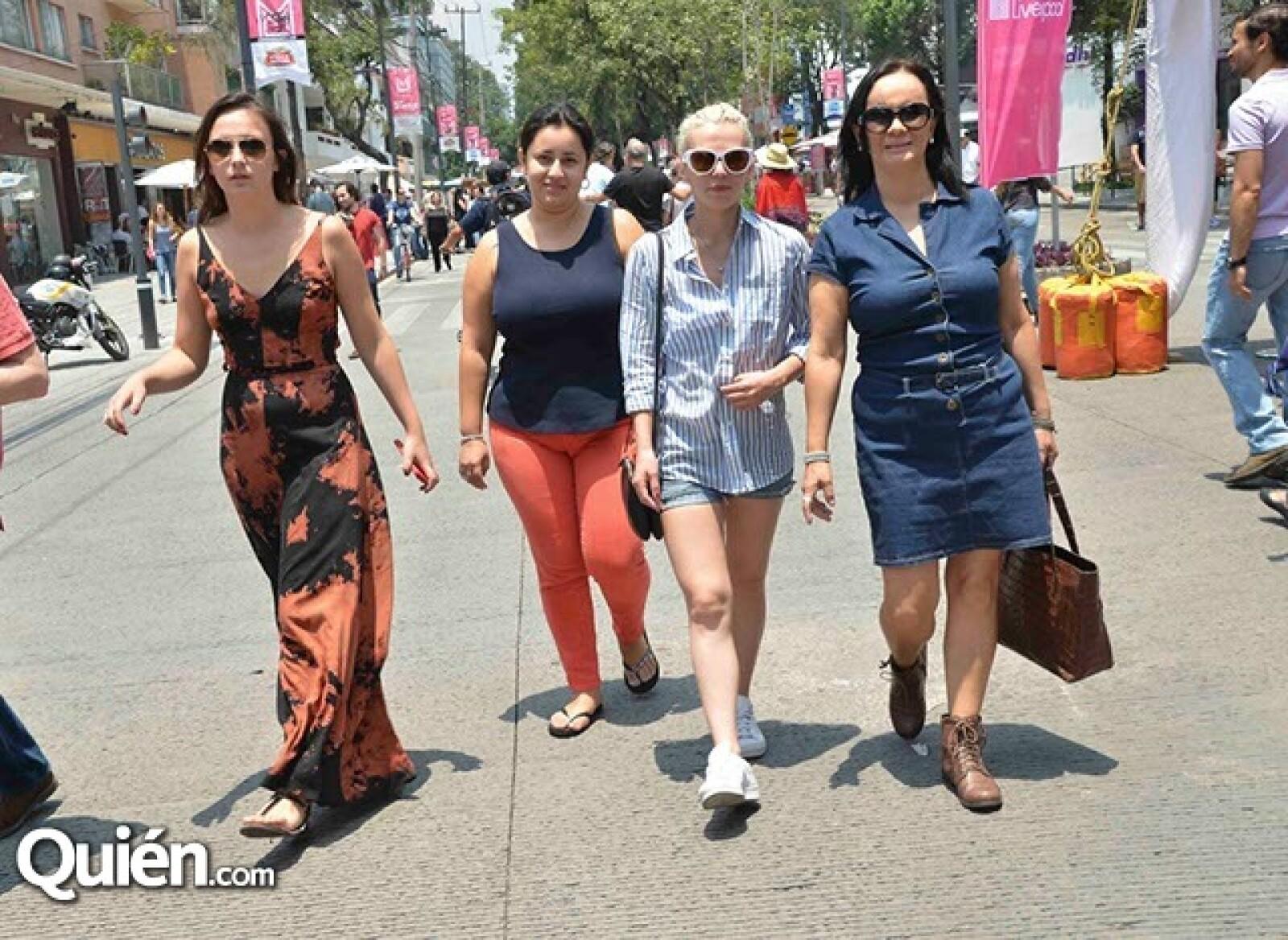 Julie Swanson,Xue Franco,Olenka Piotrawska y Carolina Swanson.