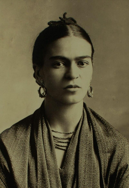 Los documentos son principalmente declaraciones de amor entre la pintora mexicana y su amante Josep Bartolí, un artista español.