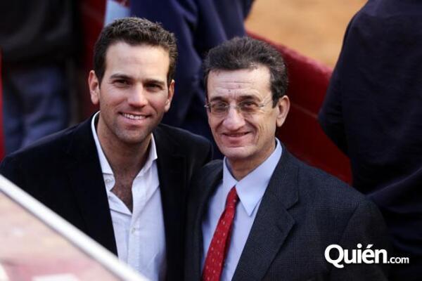 Carlos Loret de Mola junto a su papá, Rafael Loret de Mola