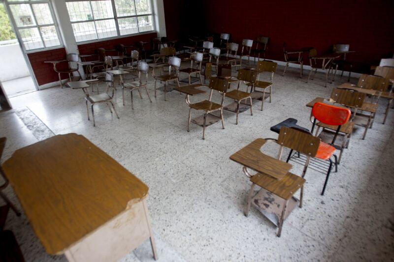 MONTERREY, NUEVO LEÓN, 17MARZO2020.- A partir de este martes 17 de marzo todas las escuelas de todos los niveles educativos públicos y privados suspenden clases debido al incremento de portadores del coronavirus en la entidad, en un día se sumaron siete personas infectadas, dando un total de 12 en Nuevo León hasta el momento. Las clases se reanudarán el 20 de abril. FOTO: GABRIELA PÉREZ MONTIEL / CUARTOSCURO.COM