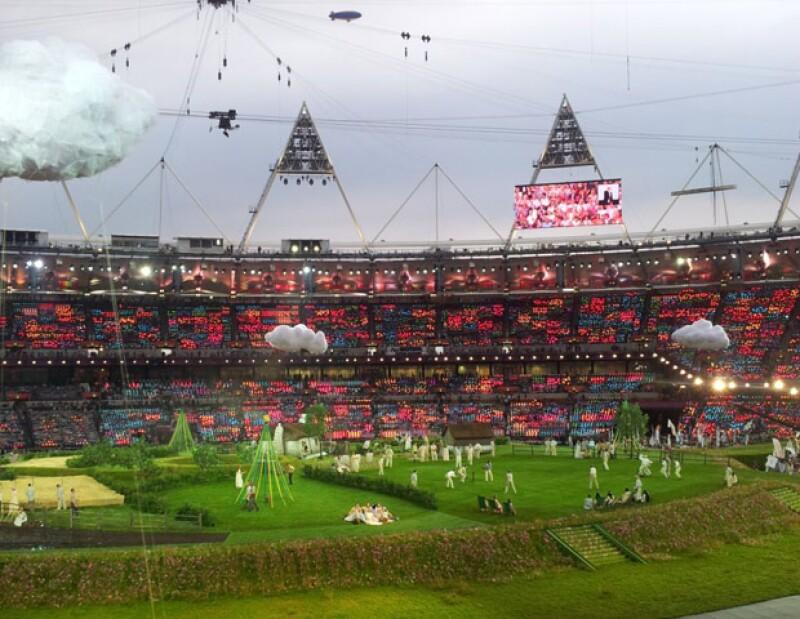 La secuencia filmada mostró algunas tradiciones británicas como el cricket y la hora del té, y luego hubo una cuenta regresiva.