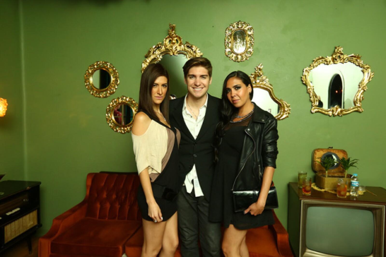 Pherla Aguilar,Guillermo Mascareño y Andrea Ibarra