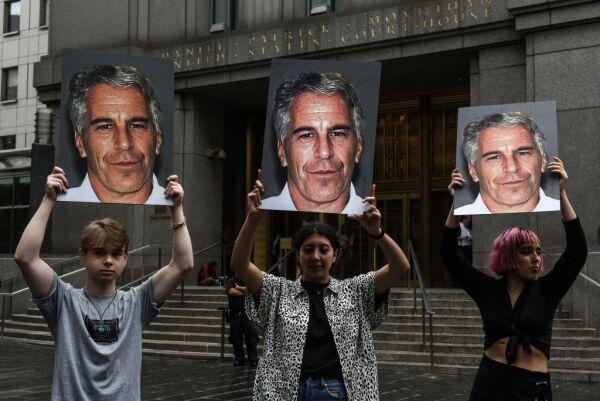 Protestas en contra de Jeffrey Epstein