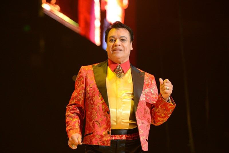 Desde la muerte de Juan Gabriel ocurrida el pasado 28 de agosto, la relación que tenía el cantante con sus hijos ha sido foco de atención, ahora Iván Aguilera fue acusado de robo.