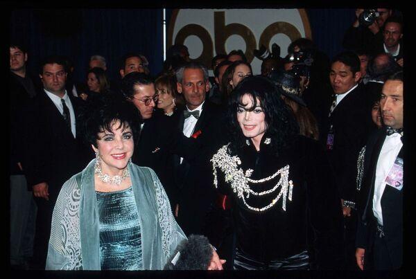 Elizabeth Taylor y Michael Jackson