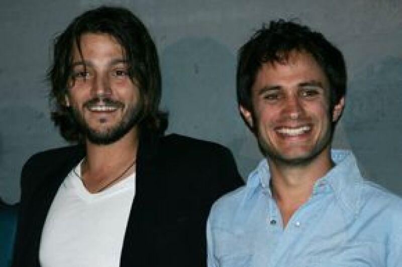 Luna y Bernal ofrecieron una conferencia de prensa en un hotel de Beverly Hills para promover el estreno de Sin Nombre, ganadora del Festival de Sundance 2009, así como de Rudo y Cursi.