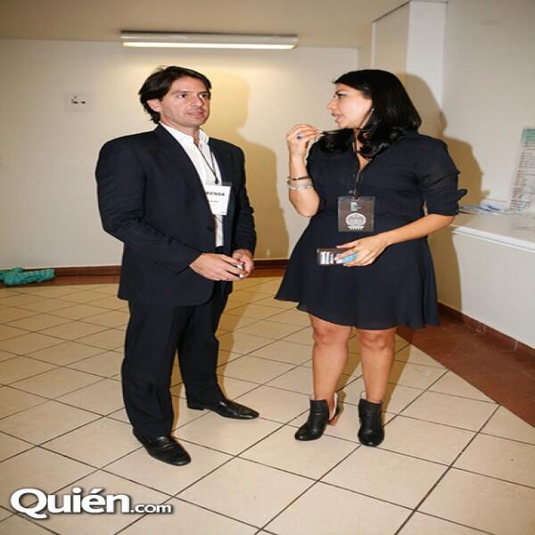 Abelardo Marcondes,Claudia Flores