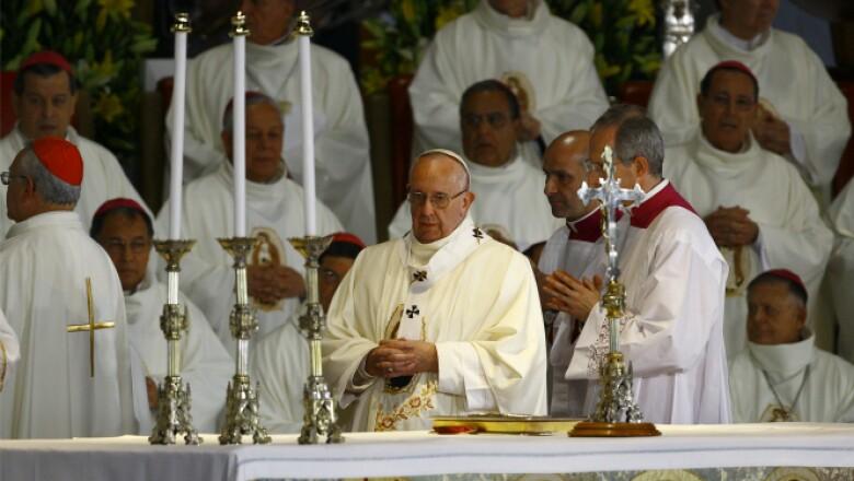 Francisco considera a esta virgen como la madre de todos los mexicanos.
