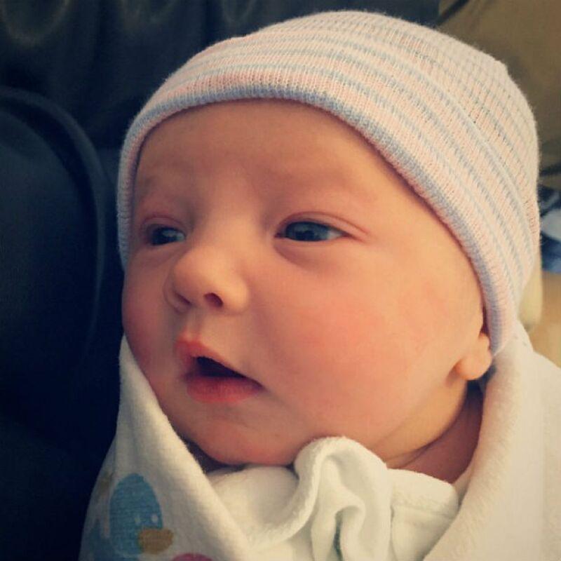 Ioni James Conran a un día de nacida.
